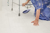 Lowering of blood pressure medication linked to fewer falls in long-term care - Photo: iStock/Toa55