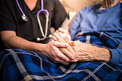 Nursing home quality of care linked to cost - Photo: ©iStock/LPETTET