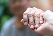 Early palliative care may help avert unhelpful chemotherapy  - Photo: ©iStock/Pornpak Khunatorn