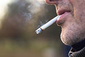 Smoking linked to higher prostate cancer mortality - Photo: ©iStock/sanjagrujic