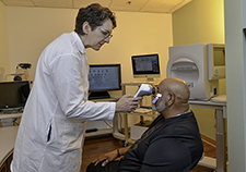 Researchers take new approach to detect, treat eye disease that can lead to blindness