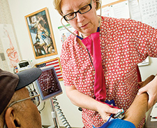 Review study backs nurses' role in managing chronic disease