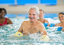 Veterans aim to keep minds sharp by taking a dip in the pool